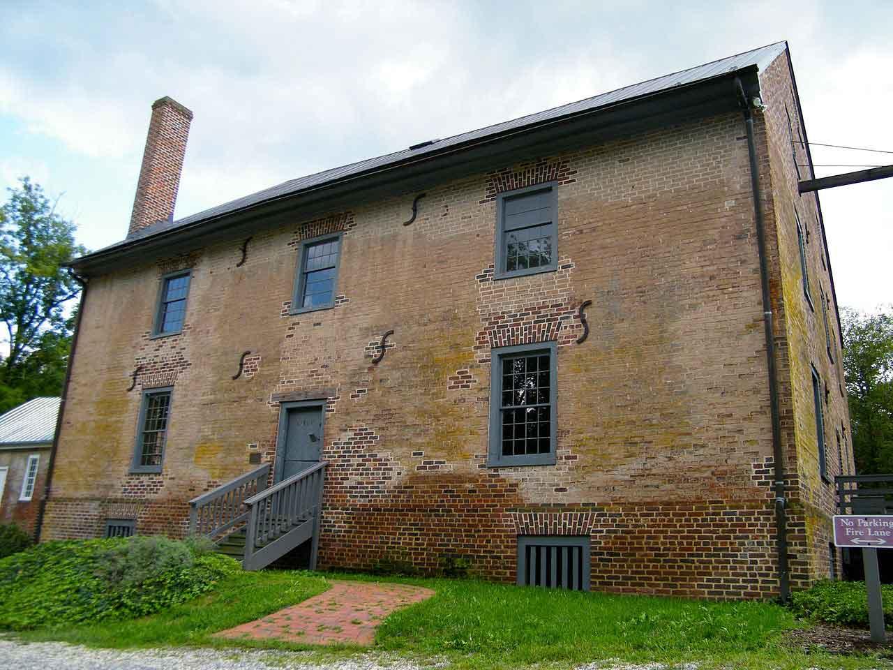 Aldie Virginia - Mill in Historic District